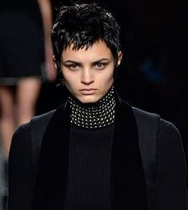 alexander_wang_hair_trends_greasy_clumpy_dark_dirty_blonde_short_new_york_fashion_week_fall_2015