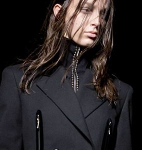 alexander_wang_hair_trends_greasy_clumpy_dark_dirty_long _bangs_blonde_long_new_york_fashion_week_fall_2015