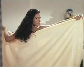 kajol_ddlj_towel_young_beautiful_most_iconic_movie_actress_heroine_look_desi_bollywood