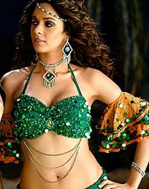 mallika_sherawat_mehbooba_mehbooba_helen_green_dress_dance_song_beautiful_most_iconic_movie_actress_heroine_look_desi_bollywood