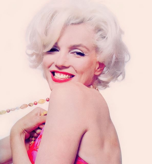 marilyn-monroe_smiling_happy_beautiful_judged_celebrity_why_controversial