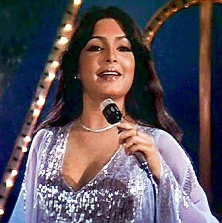parveen_babi_pyar_karne_wale_shaan_song_beautiful_most_iconic_movie_actress_heroine_look_desi_bollywood