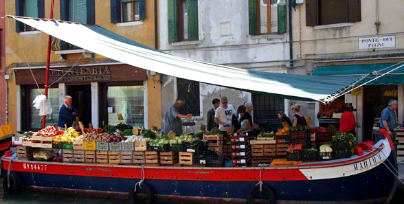 shopping_in_venice_italy_travel_guide