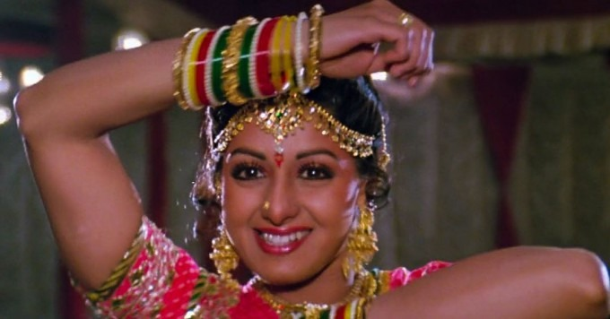sri_devi_bangles_chandni_mere_hathon_mein_song_beautiful_most_iconic_movie_actress_heroine_look_desi_bollywood