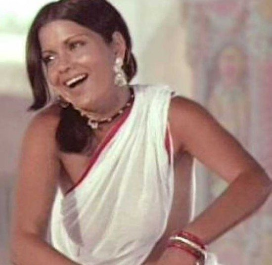 zeenat_aman_satyam_shivam_sundaram_white_saree_retro_old_song_beautiful_most_iconic_movie_actress_heroine_look_desi_bollywood