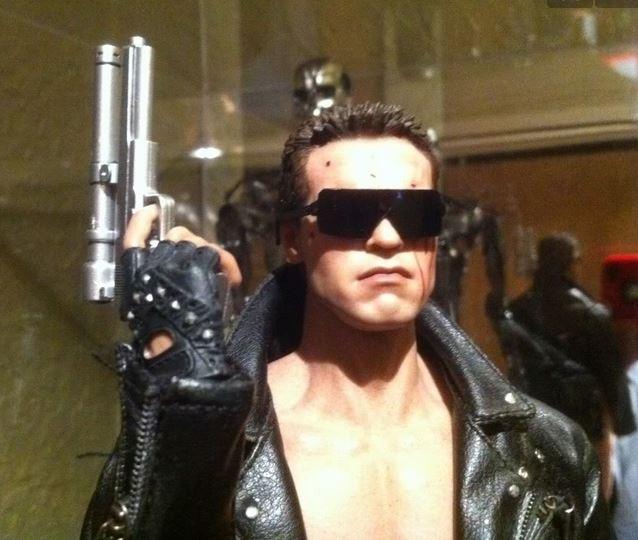 arnold_schwarzennegger_1983_Terminator_1_blade_style_sunglasses_sun_glasses_trend_mens_fashion_2