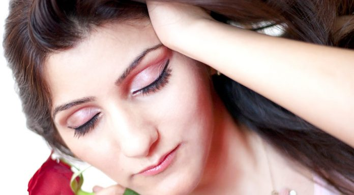 shilpa-ahuja-indian-fashion-blogger-beauty-skin-roses-care