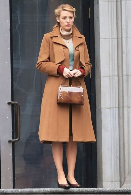 blake_lively_age_of_adaline_vintage_fashion_look_style_1972_retro_old_movie_hollywood_100_years_wavy_hair_brown_jacket