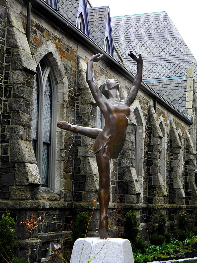 cambridge_ma_boston_usa_spring_flowers_bloom_blossom_beautiful_sculpture_ballet_dance_school_academy_harvard_university