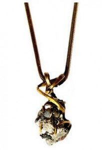 gbgh_jewelry_the_pyrite_pendant_gold_black_wear_wardrobe_essential_items