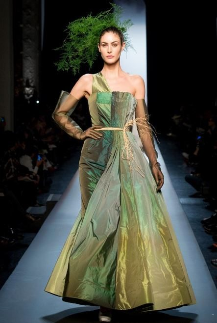 jean_paul-gaultier_spring_summer_2015_runway_haute_couture_collection_model_nature_plant_inspired_trend_1