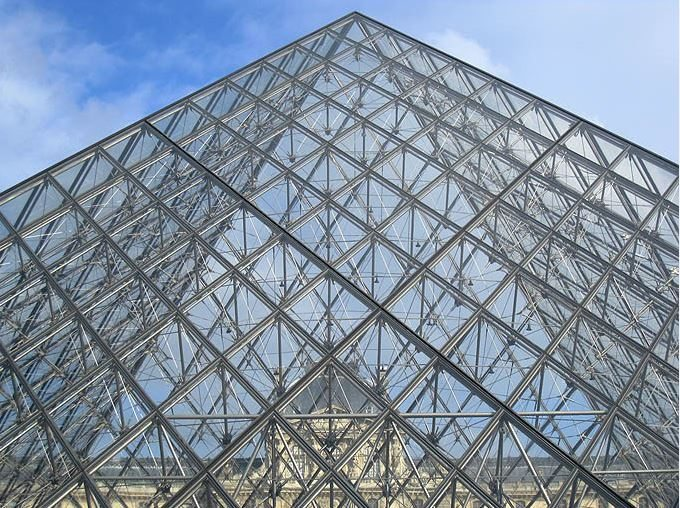 louvre_museum_musee_tour_travel_tourism_paris_france_europe_popular_landmark_glass_pyramid_modern_through