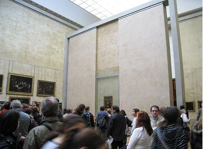 louvre_museum_musee_tour_travel_tourism_paris_france_europe_popular_landmark_mona_lisa_crowd_watching