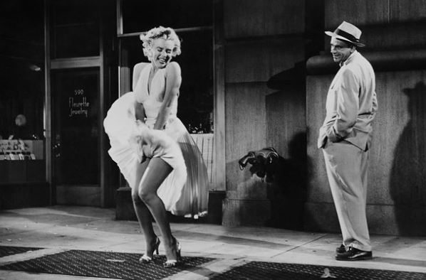 marilyn_monroe_famous_white_dress_hollywood_iconic_halter_actress_seven_year_itch_1955