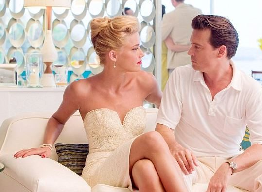 most_iconic_hollywood_white_dress_movie_actress_amber_heard_rum_diaries_1