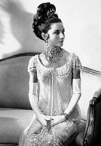 most_iconic_hollywood_white_dress_movie_actress_audrey_hepburn_gown_beaded_ballroom_crystal_my_fair_lady