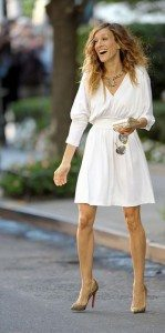 most_iconic_hollywood_white_dress_movie_actress_carrie_bradshaw_sex_and_the_city_sarah_jessica_parker_2_gold