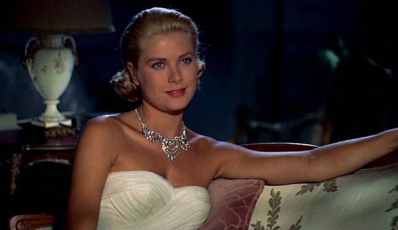 most_iconic_hollywood_white_dress_movie_actress_grace_kelly_to_catch_a_thief_necklace_diamond