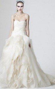 most_iconic_hollywood_white_dress_movie_actress_natalie_portman_black_swan_ballet_inspired_wedding_dress