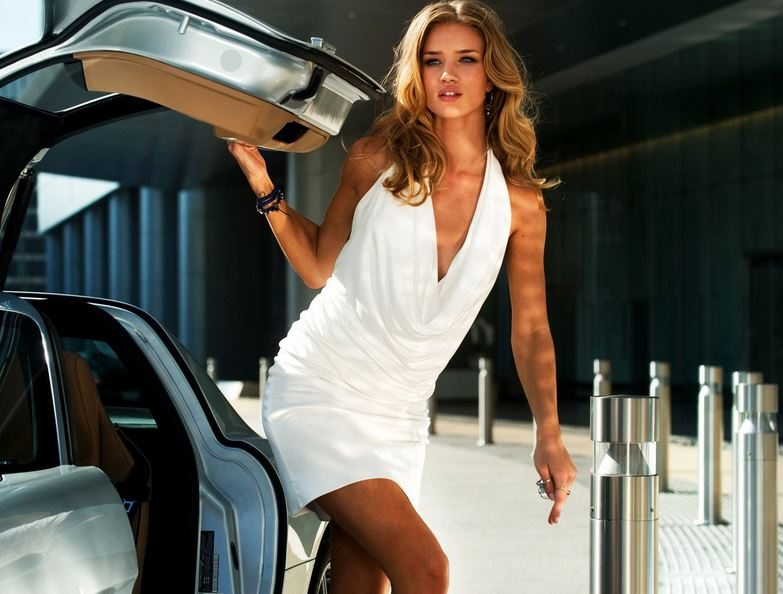 most_iconic_hollywood_white_dress_movie_actress_rosie_huntington_transformers_3_the_dark_moon_sexy_hot