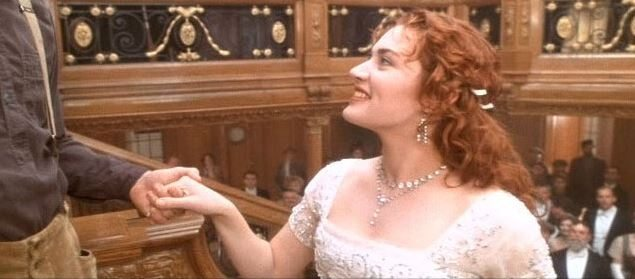 most_iconic_hollywood_white_dress_movie_actress_titanic_kate_winslet_rose_heaven_gown_crystal_climax_last_scene