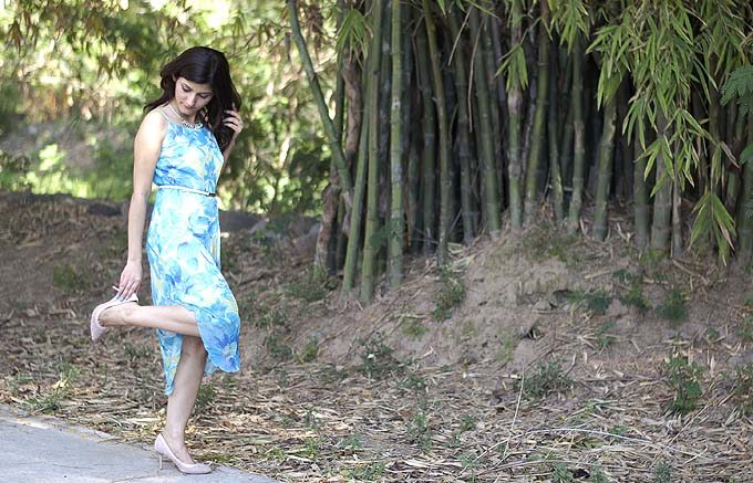 shilpa_ahuja_girl_fun_model_spring_flower_print_blue_dress_summer_chiffon_fashion_style_lifestyle_3