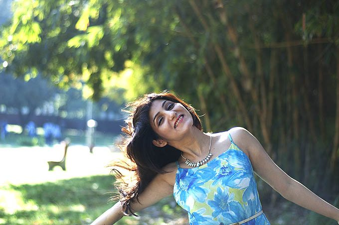 shilpa_ahuja_spring_flower_print_blue_dress_park_city_fashion_happy_style_lifestyle_blog_chandigarh