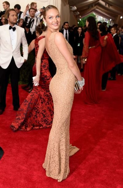 2015_met_gala_gown_dress_outfit_candice_swanepoel_nude_cream_beige_curve_tight_long_thin