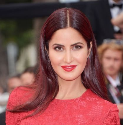 haircut_hairstyle_spring_summer_latest2015_womens_fashion_style_color_brunette_auburn_highlights_katrina_kaif_cannes_2015