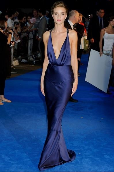 rosie_huntington_whitley_transformers_3_navy_silk_blue_premiere_sexy_hot