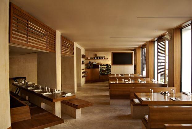 salt_water_cafe_bandra_mumbai_bombay_best_european_italian_restaurant_expensive_wooden_classy_beautiful_tasty