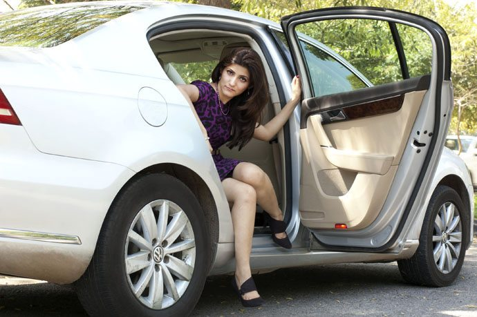 shilpa_ahuja_car_work_wear_power_dressing_purple_dress_fierce_woman_professional_pearls_office_black_heels_door_1