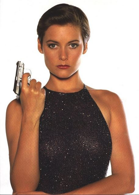 bond_girl_fashion_best_ever_sexy_hot_outfit_dress_license_to_kill_halter_backless_sequin_black