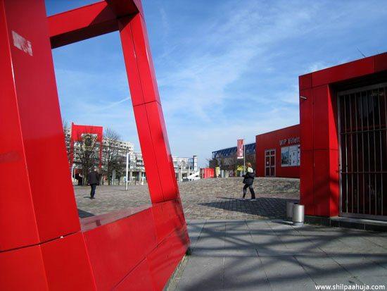 paris_parc_de_la_villette_ville_paris_france_monument_red_follies_park_building_tourism_travel_spot_things_to_do_places_visit_garden_architect