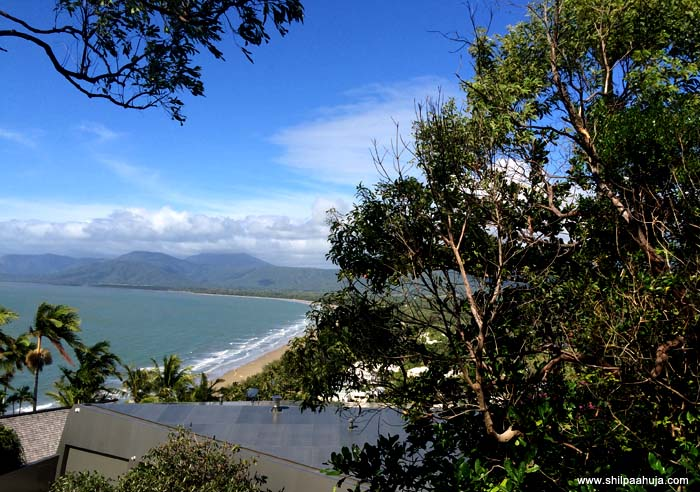 port_douglas_beach_white_sand_cairns_queensland_australia_tourism_trip_travel_planning_things_to_do_activities_how_to