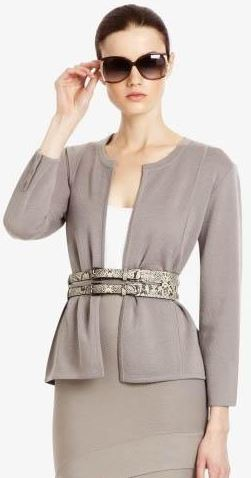 work_wear_office_outfit_power_dressing_women_ideas_professional_business_suit_grey_summer_jacket_belt