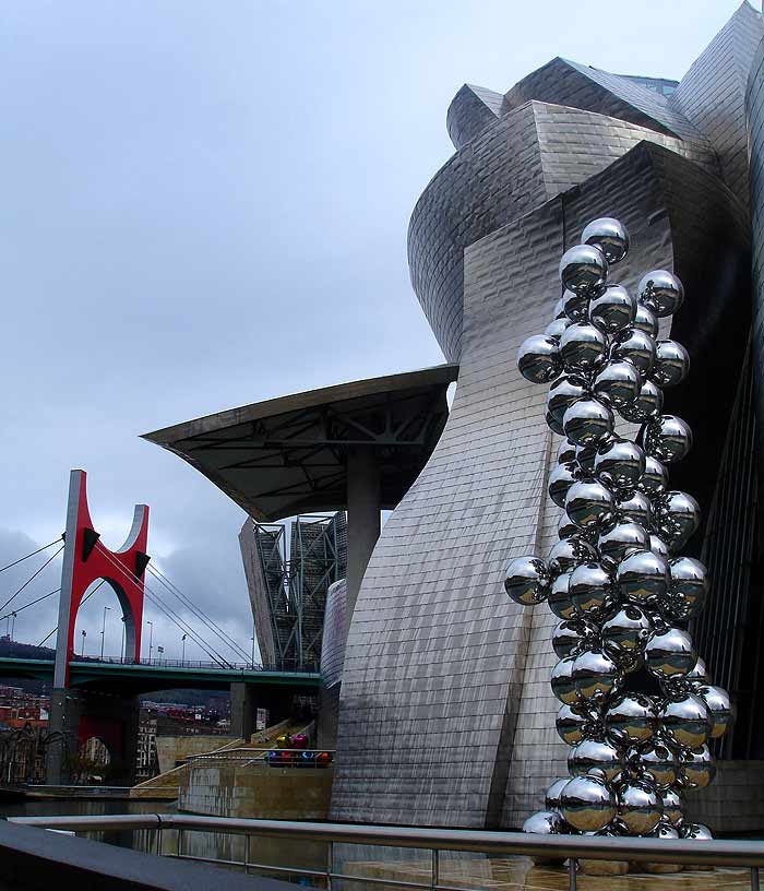 anish_kapoor_bubbles_sculpture_steel_tall_eye_and_the_tree_bilbao_guggenheim_indian
