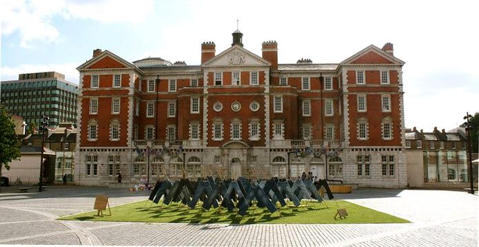 field_of_jeans_public_art_installation_london_chelsea_college_catalytic_clothing_1