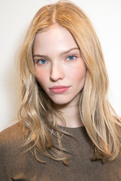 makeup_trends_fall_winter_2015_2016_blush_pink_peach_ralph_lauren