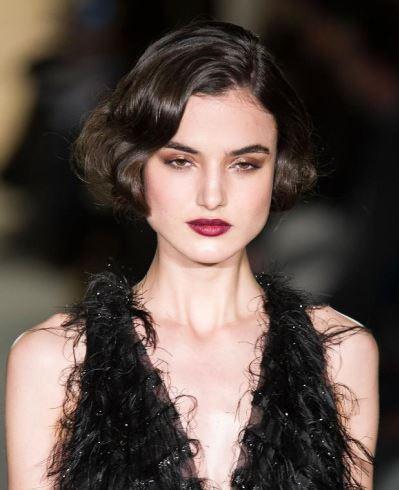 makeup_trends_fall_winter_2015_2016_cherry_lips_marchesa_beauty_evening_look