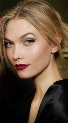 makeup_trends_fall_winter_2015_2016_scarlet_red_lips_dolce_and_gabbana_beauty_evening_look
