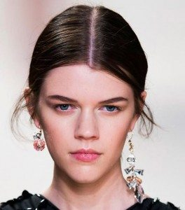 nina_ricci_single_2015_2016_fall_collection_earring_bold_big_different_trend_mix_match_