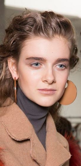 no_makeup_trends_fall_winter_2015_2016_beauty_light_day_look_marni