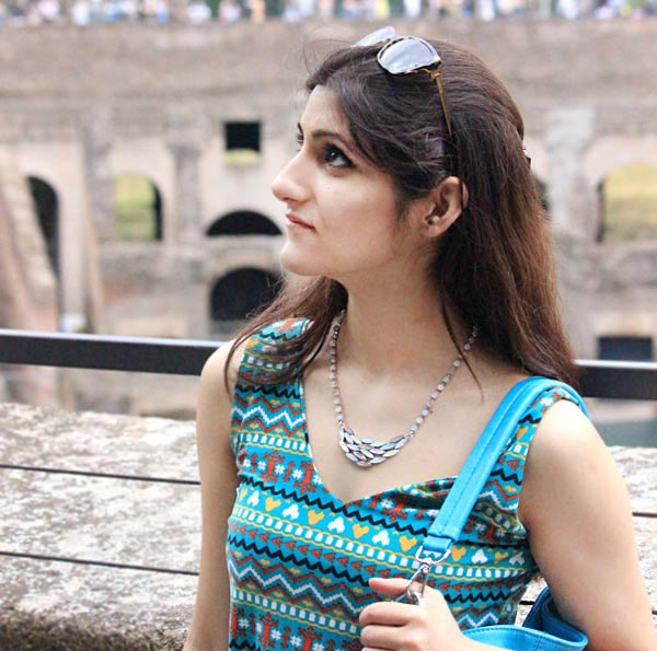 shilpa_ahuja_travel_summer_casual_makeup_outfit_look_necklace_easy_ideas_dress