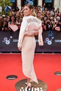 summer_fashion_trends_2015_gigi_hadid_print_white_cropped_jacket_skirt_much_music_red_carpet_celebrity