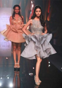 Abu_Jani_Sandeep_Khosla_ LFW_ 2015_lakme_fashion_week_winter_festive_grey_dress_layered_ruffled