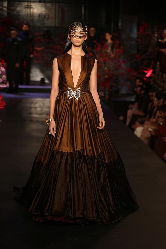 Manish-Malhotra-_aicw_2015_amazon_india_fashion_week_couture_brown_gown_mask_gown
