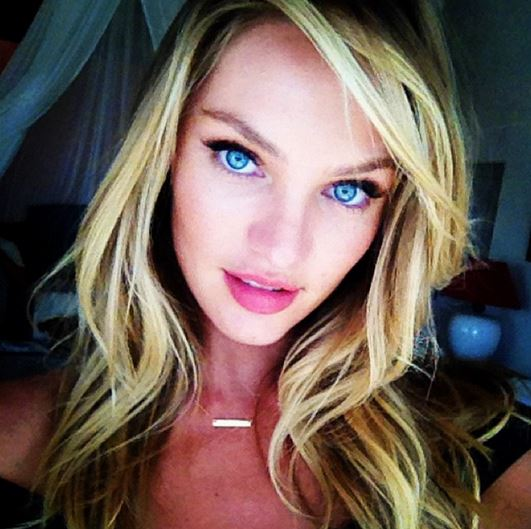 how_to_take_a_good_selfie_tips_best_celebrity_candice_swanepoel_victorias_secret_model