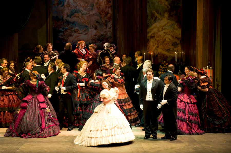 la_traviata_roma_opera_actors_stage_rome_italy_budget_travel_tips_tourism