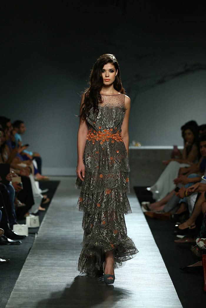 manav_gangwani_autumn-winter_2015_runway_collection_couture_indian_amazon-india_fashion_week_grey_orange_party_gown
